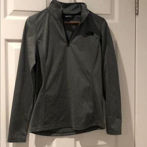North Face 1/4 zip pullover
